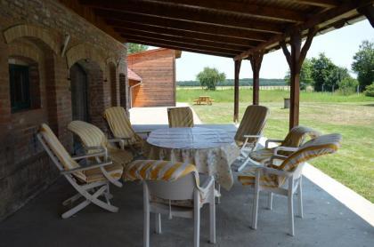 Zeer ruim en comfortabele vrijstaande vakantiewoning, grote tuin en privézwembad