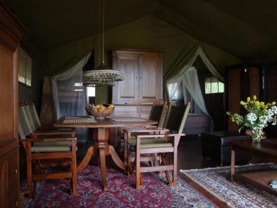Ingerichte Tent op Domaine la Douce France