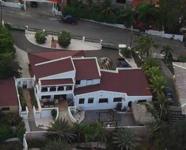 Luxe ruime villa, prachtig uitzicht op Spaanse Water en Tafelberg, chique wijk Jan Thiel, Curacao
