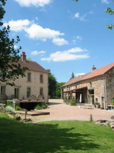 Hotel Camping sur Yonne**, kleine camping met restaurant in de Morvan, Bourgogne, Frankrijk