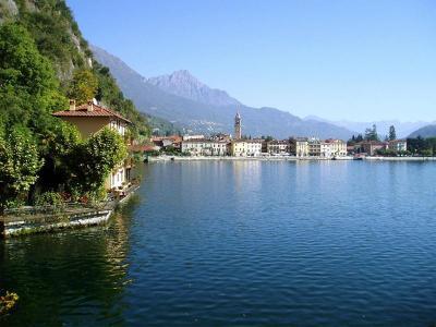 Chalets DIRECT aan het meer van Lugano