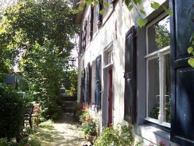 Gulpen vakantiehuis Zuid-Limburg voor 6 pers met open  haard en eigen tuin