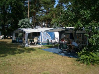 Idyllisch gelegen camping, in natuur aan mooi meer, TOP!!!