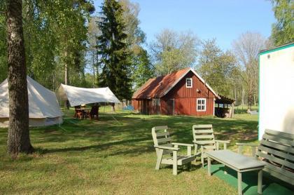 Genieten in Zweden op de camping of HUURTENT