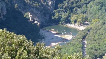 La Sarrazine. Een ruime vakantiewoning met privézwembad en uitzicht over het Rhonedal.