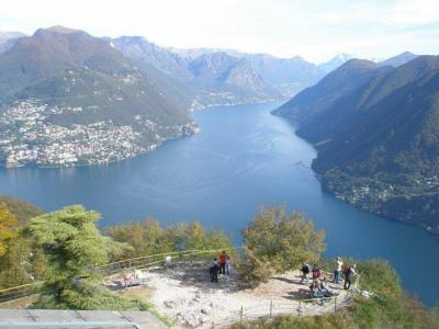 te huur 5 pers. chalets a/h LUGANOMEER in ITALIE op camping