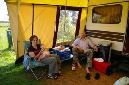 Comfortabele caravan op duurzame camping in Hooghalen
