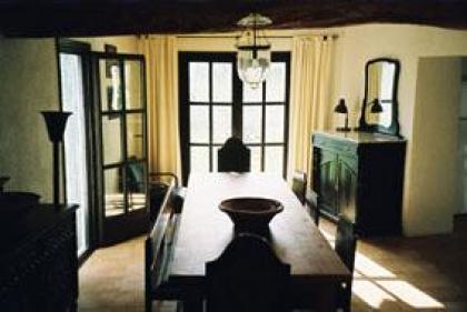 Authentiek vakantiehuis en atelier te huur in Juseu aan de voet van de Spaanse Pyreneeën