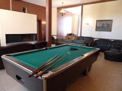 Vakantiehuis 48 personen met zwembad, jacuzzi, hamann, sauna.