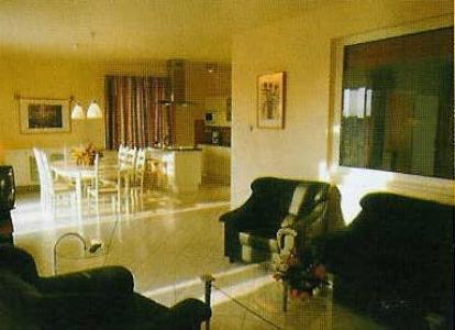 VAKANTIEPARADIJS.COM  Resort Villapark Vargesztes, vakantievilla met prive binnen zwembad, sauna enz.l