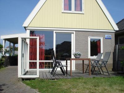 Gezellig 4 persoons vakantiehuis, 250 meter van zee!