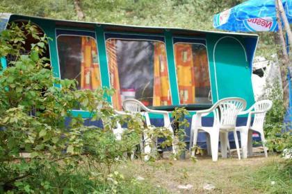 Camping la Pinède - camping plaatsen, bungalows, chalets en huurtenten