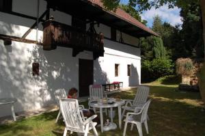 Prachtige vakantiewoning in Natuurgebied kokorinsko nabij Praag