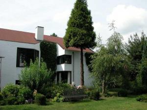 VILLA ANNIE COUSAERT / Romantische villa B & B in het Waasland tussen Gent - Antwerpen en Zeeuws Vla