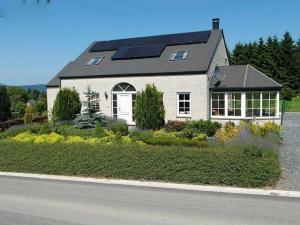 Ardennen 8-11p: vakantiehuis met zwembad, sauna, stoombad