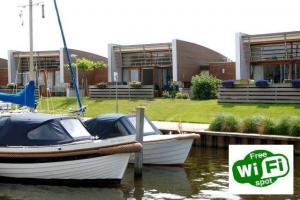 Bungalowpark Wijdland, aan het water in de jachthaven gelegen